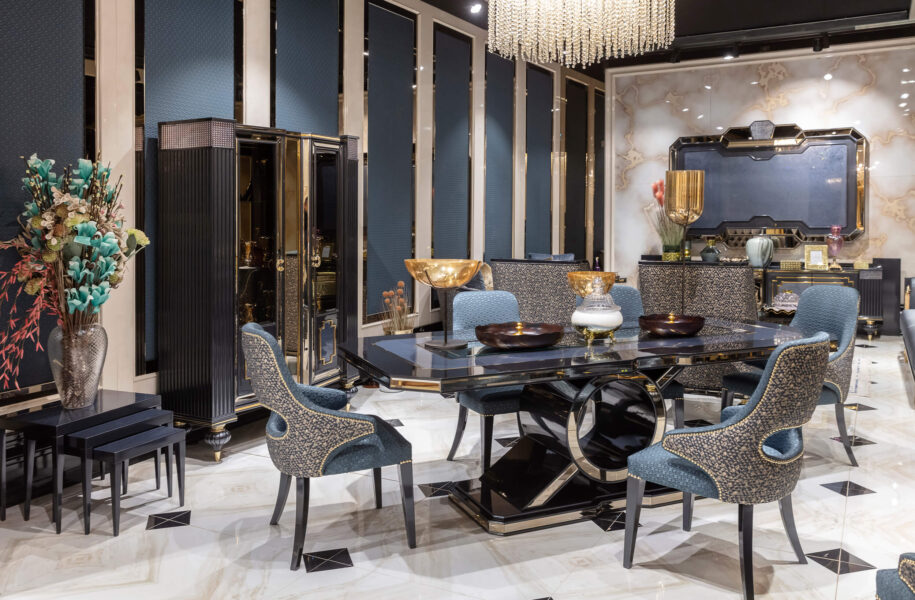Luxurious Classical Dining Room